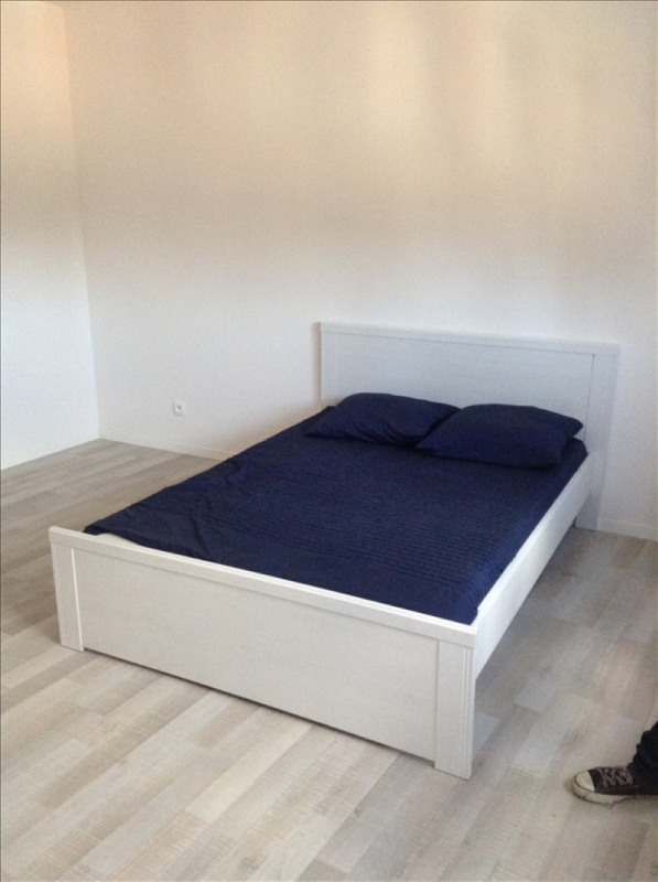 Rental apartment St quentin 380€ CC - Picture 3