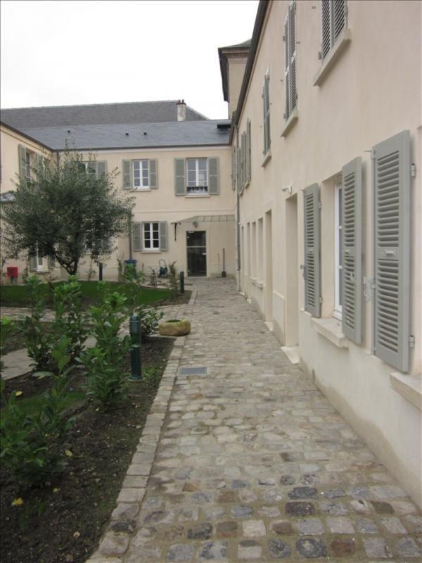 Location appartement Versailles 695€ CC - Photo 4