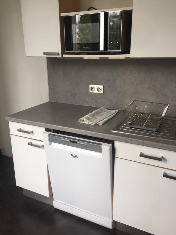 Rental apartment Neuilly-sur-seine 3350€ CC - Picture 3