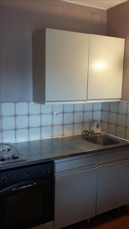 Rental apartment La ciotat 452€ CC - Picture 3