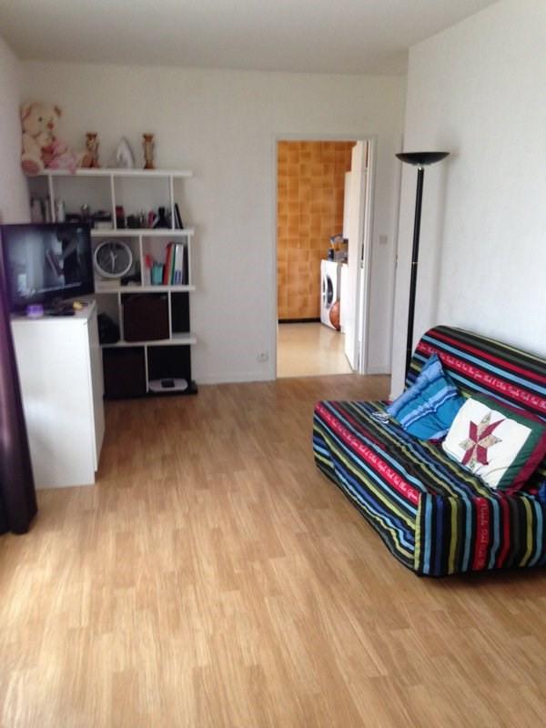 Rental apartment Maurepas 681€ CC - Picture 1
