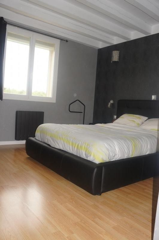 Sale house / villa L isle jourdain 320000€ - Picture 7