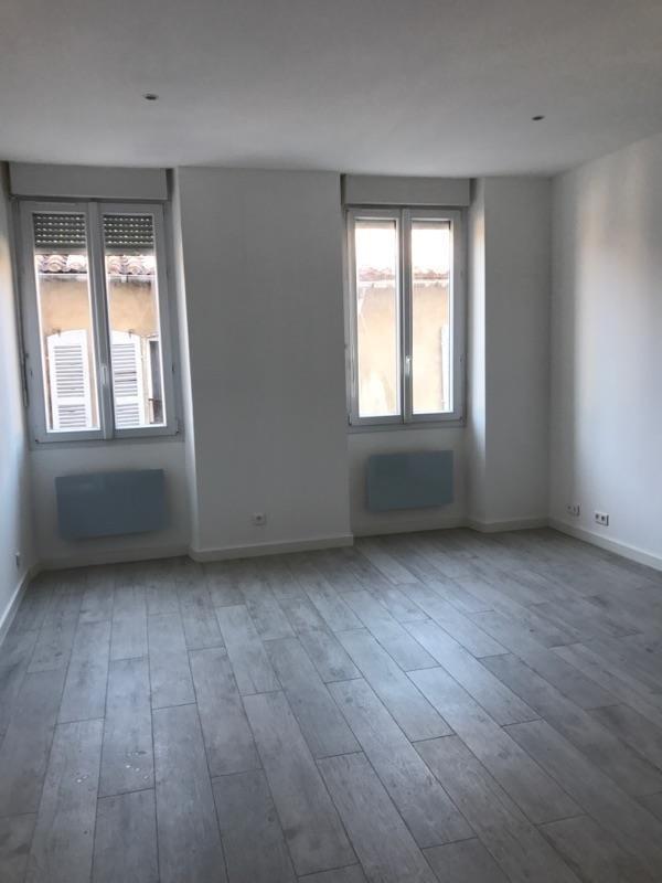 Rental apartment Marseille 6ème 670€ CC - Picture 2