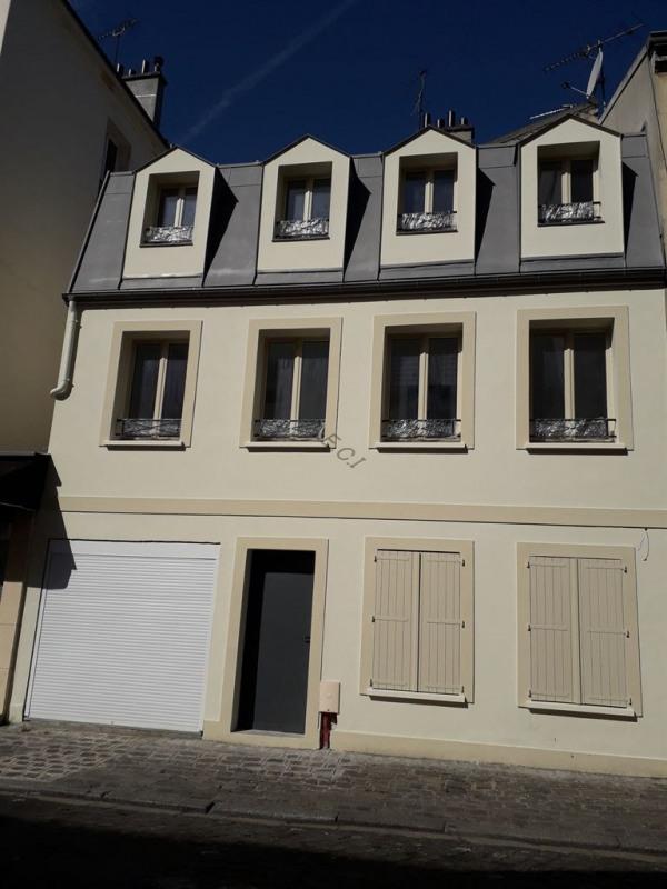 Sale house / villa St denis 342000€ - Picture 1