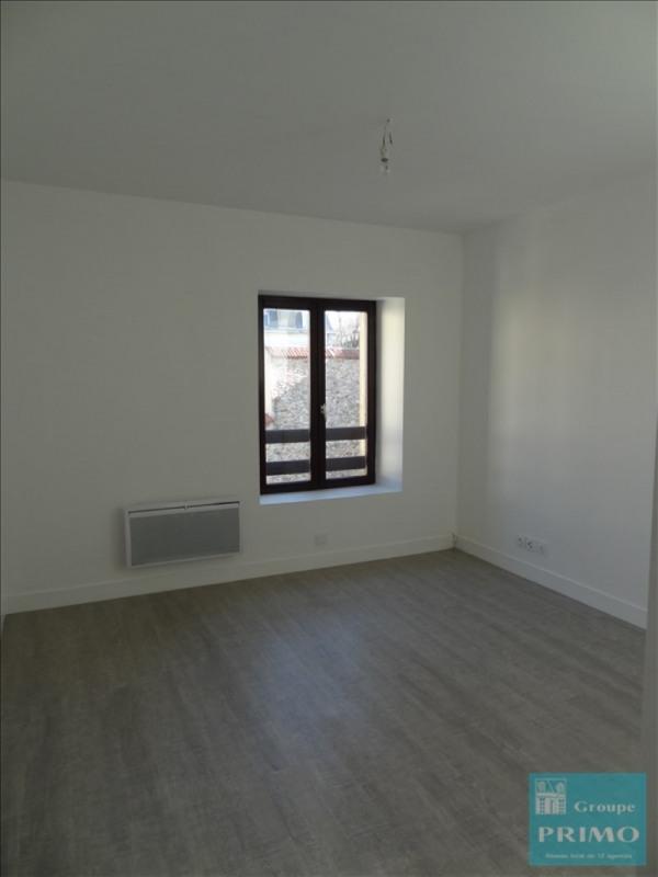 Location appartement Verrieres le buisson 731€ CC - Photo 3