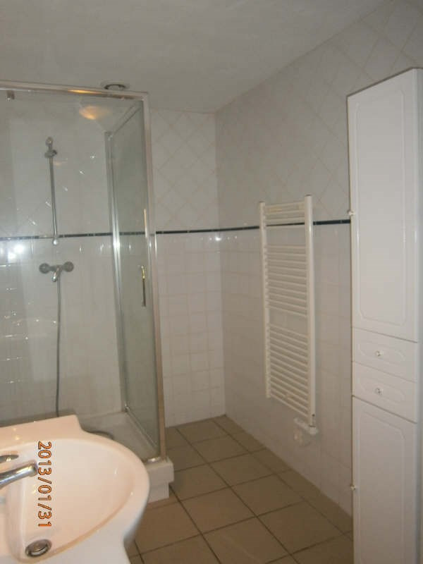 Location maison / villa St romain la virvee 681€ CC - Photo 5