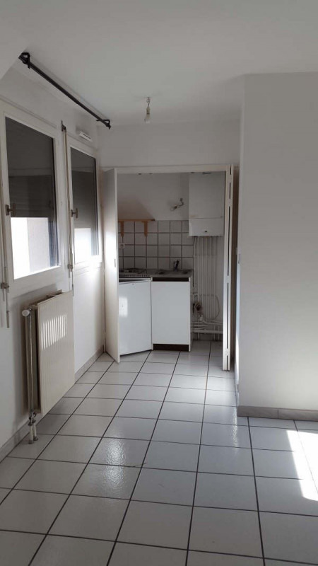 Rental apartment Dijon 399€ CC - Picture 3