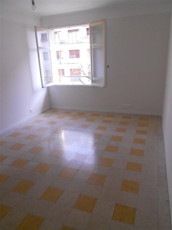 Sale apartment Nice 180 000€ - Picture 3