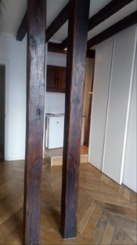 Rental apartment Paris 18ème 695€ CC - Picture 1