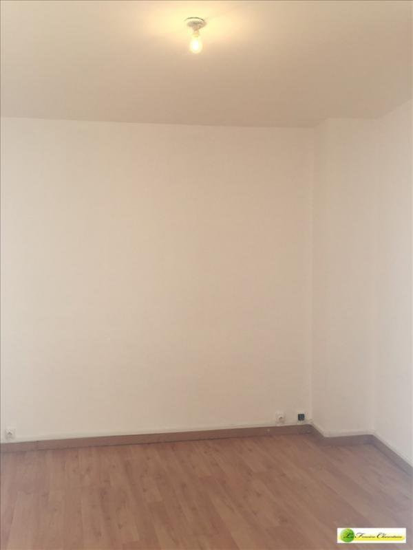 Location maison / villa L'isle-d'espagnac 430€ CC - Photo 8