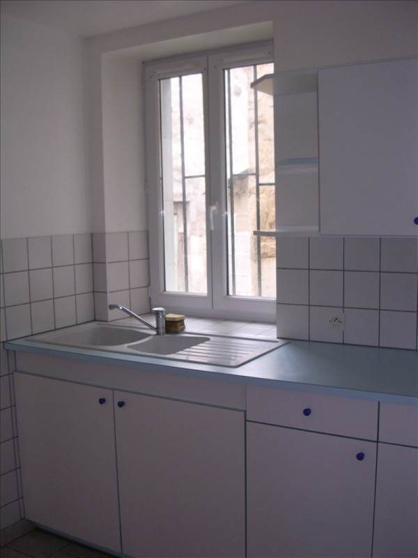 Location maison / villa St bris le vineux 550€ +CH - Photo 3
