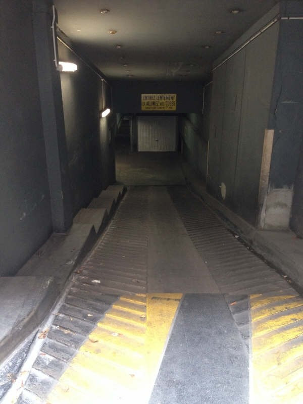 Rental parking spaces Courbevoie 120€ CC - Picture 2
