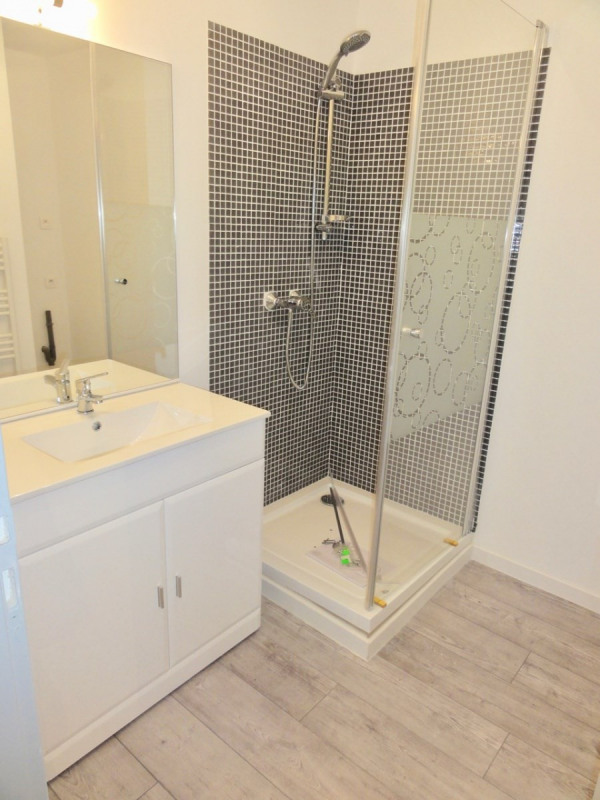 Location appartement Le beausset 530€ CC - Photo 6