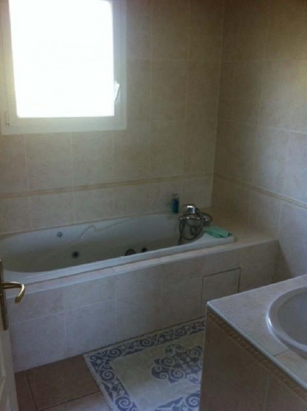 Rental house / villa Pusignan 1950€ CC - Picture 8