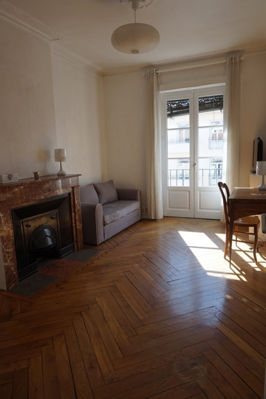 Location appartement Lyon 6ème 875€ CC - Photo 1