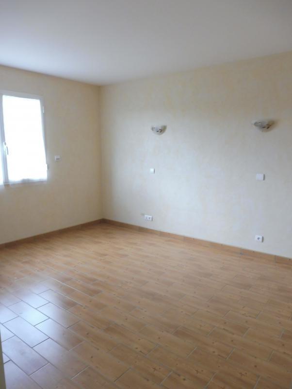 Vente maison / villa Le fief sauvin 210000€ - Photo 5