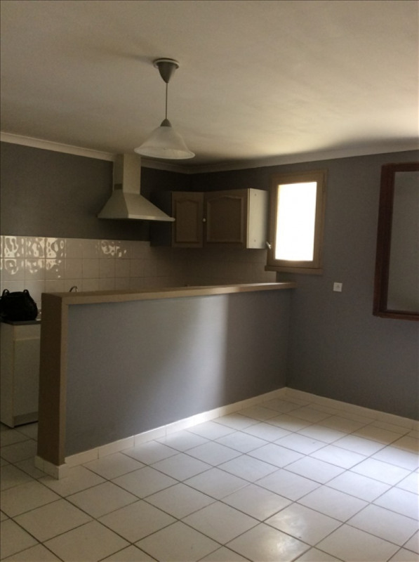 Location appartement Marsillargues 560€ CC - Photo 1