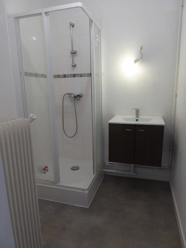 Rental apartment Maurepas 781€ CC - Picture 3