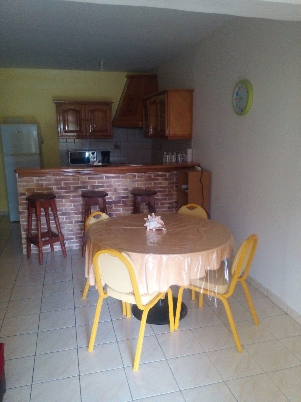 Location appartement Les abymes 990€ CC - Photo 2