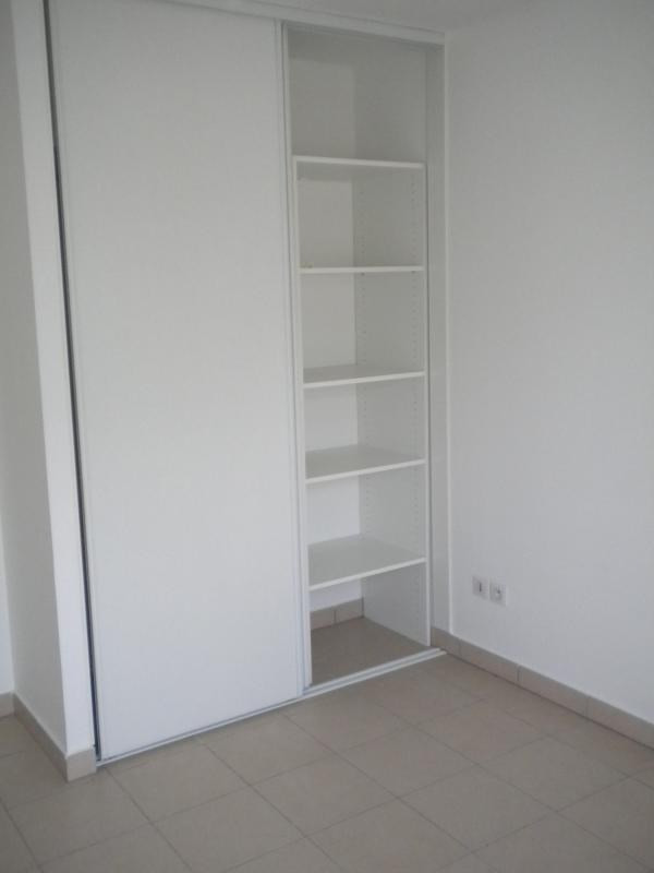 Rental apartment Ste clotilde 727€ CC - Picture 5