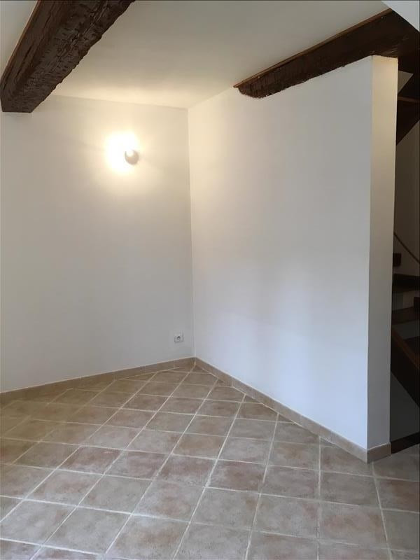 Location maison / villa Grans 600€ CC - Photo 4