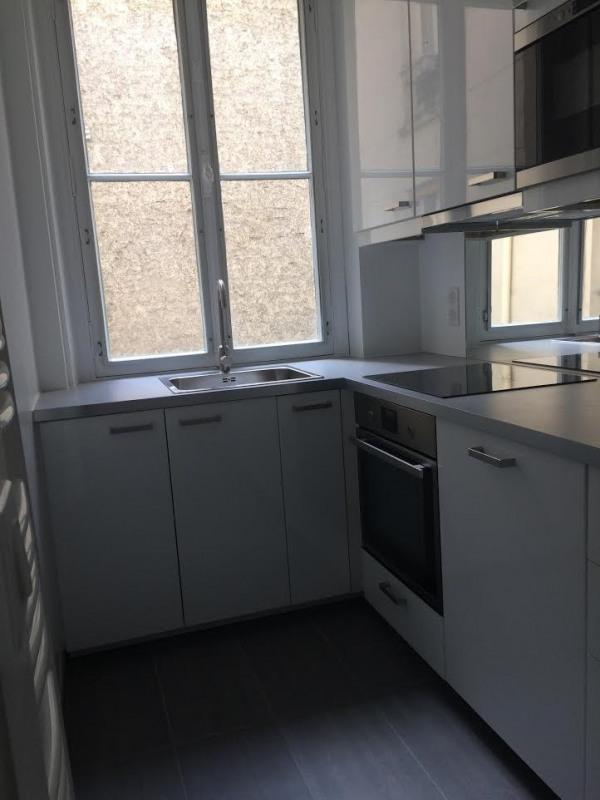 Location appartement Paris 11ème 2560€ CC - Photo 6