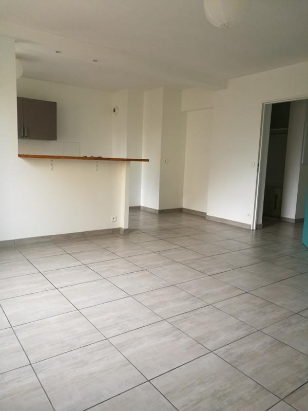 Location appartement Melun 830€ CC - Photo 2