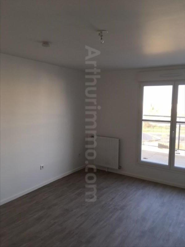 Rental apartment Lieusaint 600€ CC - Picture 2
