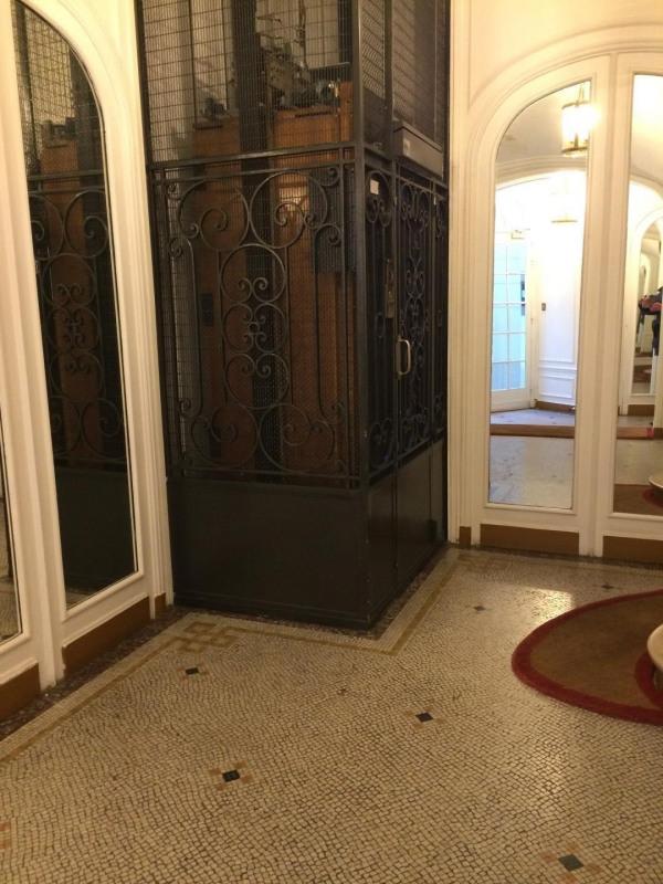 Alquiler  apartamento Paris 17ème 3785€ CC - Fotografía 9