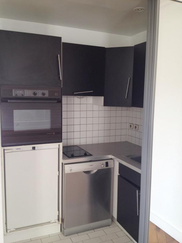 Rental apartment Paris 8ème 1340€ CC - Picture 5