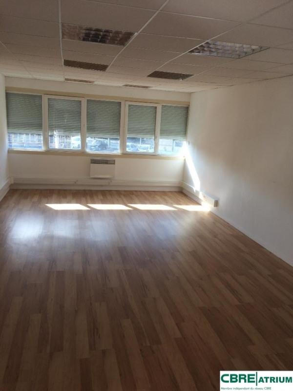 location bureau brive la gaillarde corr ze 19 75 m r f rence n 19 0121. Black Bedroom Furniture Sets. Home Design Ideas
