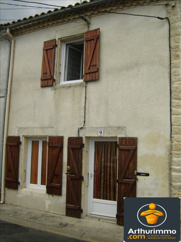 Sale house / villa St jean d angely 106 800€ - Picture 1