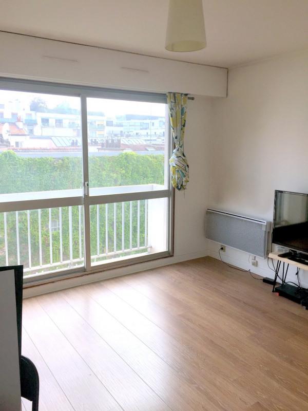 Location appartement Paris 15ème 894€ CC - Photo 1