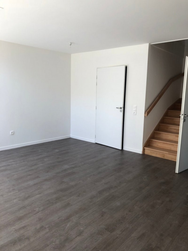 Rental empty room/storage Montreuil 2 470€ CC - Picture 3