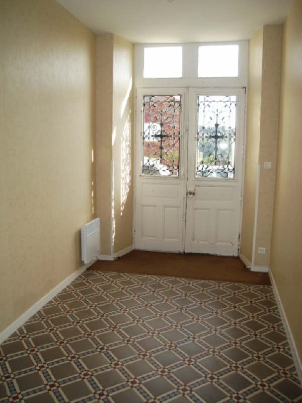 Rental apartment Montrevault 440€ CC - Picture 2