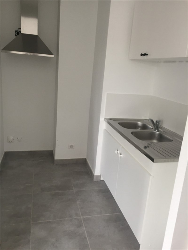 Location appartement Aix en provence 770€ CC - Photo 2