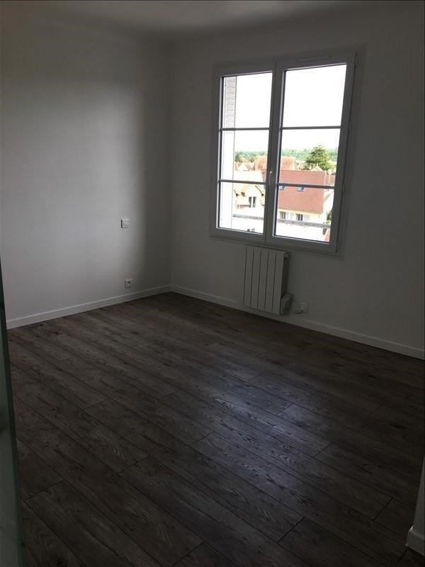 Location appartement Orgeval 1 120€ CC - Photo 3