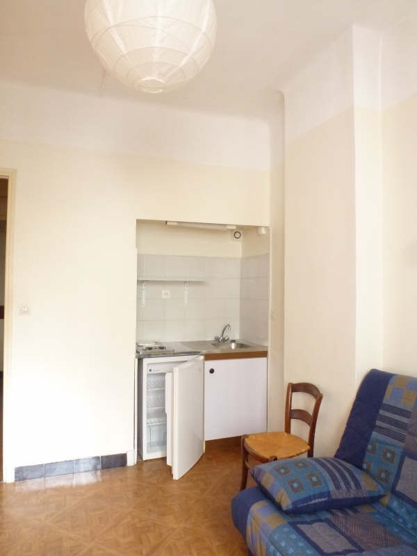 Location appartement Marseille 8ème 360€ CC - Photo 4