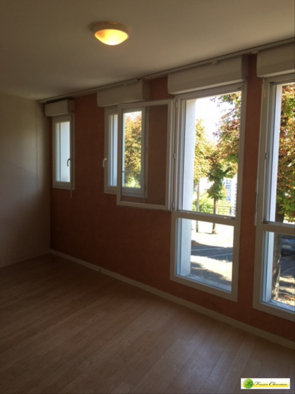 Rental apartment Angouleme 396€ CC - Picture 7