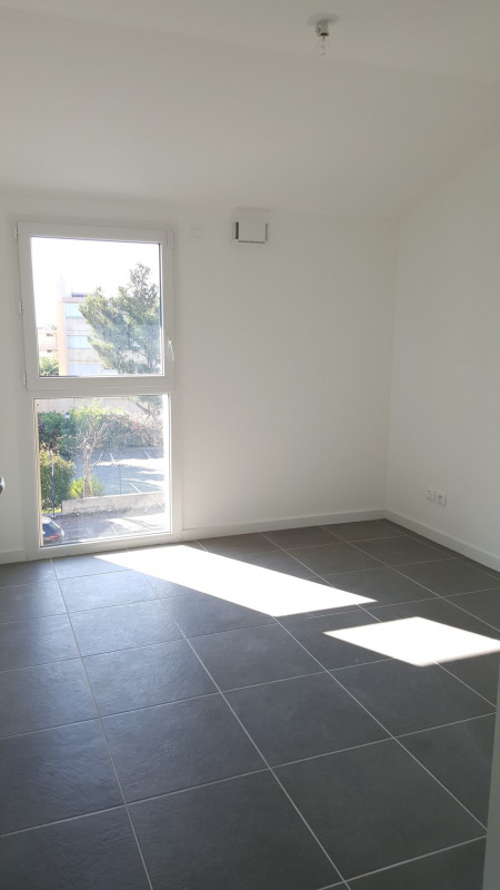 Location appartement Fréjus 915€ CC - Photo 5