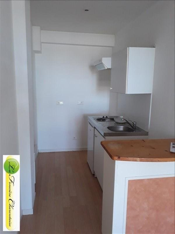 Rental apartment Angoulême 396€ CC - Picture 2