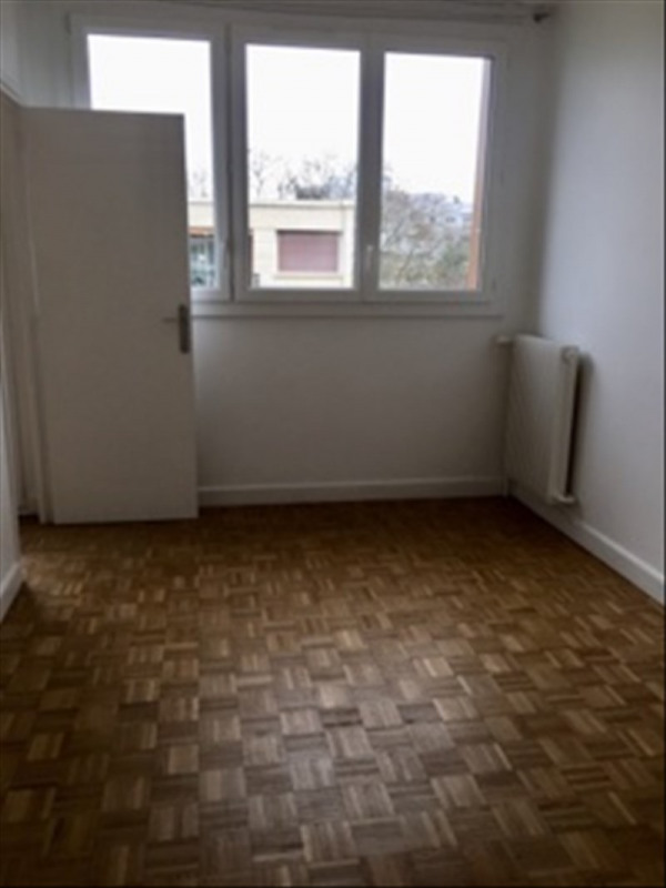 Rental apartment Marly le roi 920€ CC - Picture 3