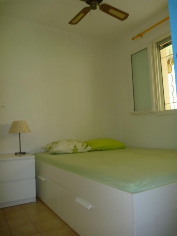 Location vacances appartement Cavalaire 420€ - Photo 11