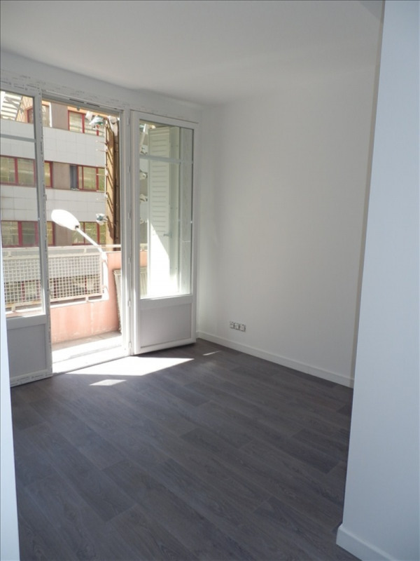 Rental apartment Toulon 560€ CC - Picture 1