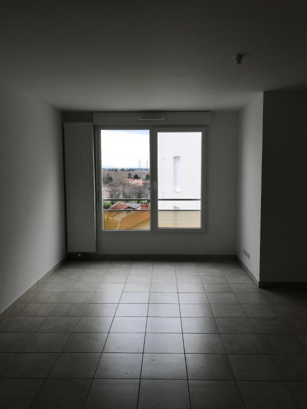 Rental apartment Venissieux 545€ CC - Picture 2