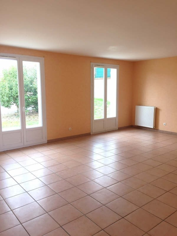 Location maison / villa Castelmaurou 940€ CC - Photo 4