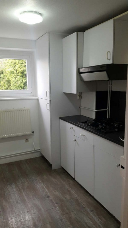 Rental apartment Fontaine le port 780€ CC - Picture 5