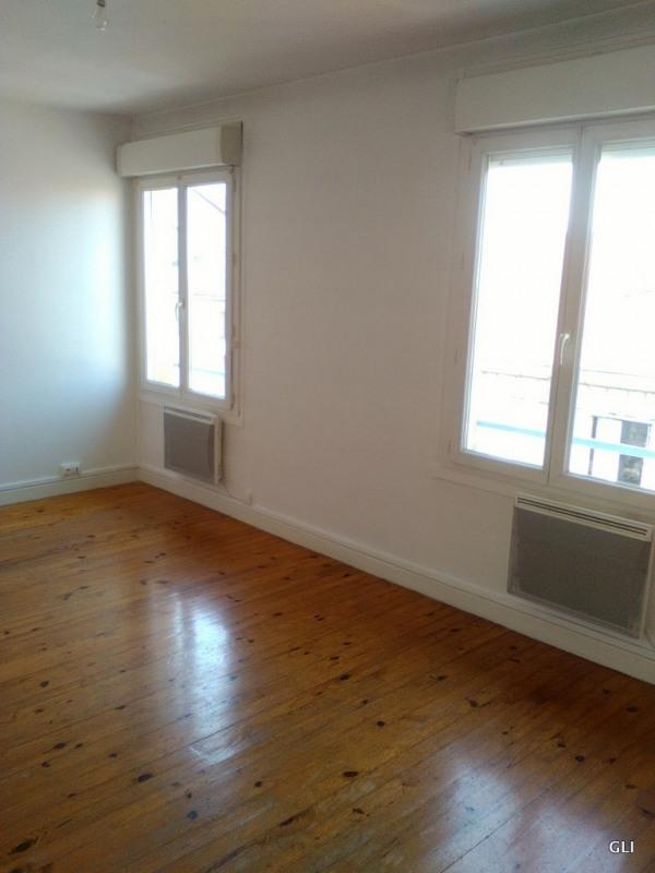 Rental apartment Villars 390€ CC - Picture 1