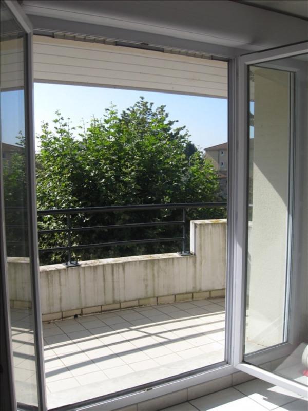 Location appartement Meximieux 760€ CC - Photo 4