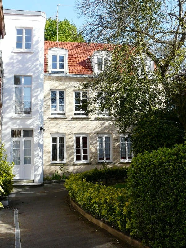 Rental apartment St omer 380€ CC - Picture 1
